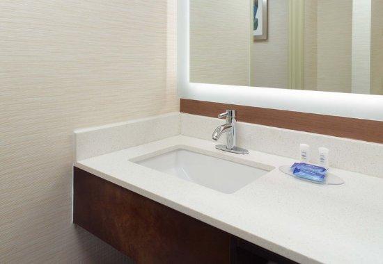 Clarksville, TN: Guest Bathroom Vanity