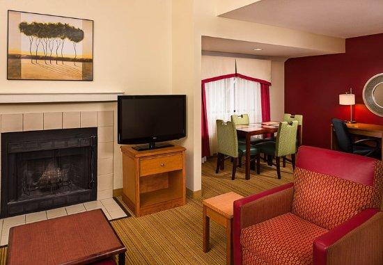 Windsor, CT: Penthouse Suite