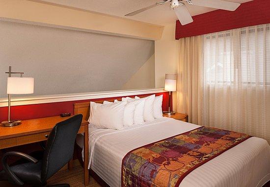 Windsor, CT: Suite Loft Sleeping Area