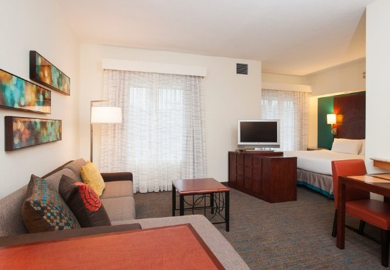 Hoover, AL: Studio Suite - Living Area