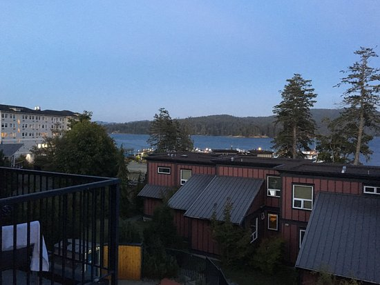 Sooke Harbour Resort and Marina: Beautiful view off the master balcony