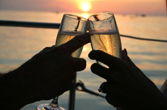 Champagnerfahrt bei Sonnenuntergang