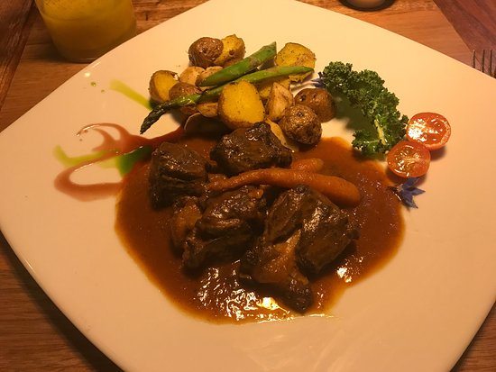 Probando la comida en Cusco