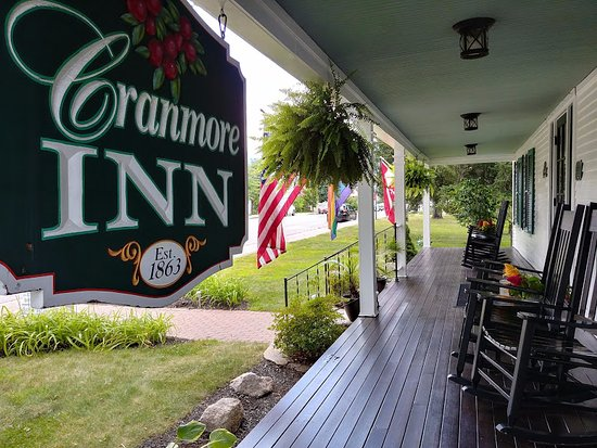 Cranmore Inn: Front porch