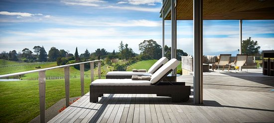 Upper Moutere, New Zealand: Relax on the Deck
