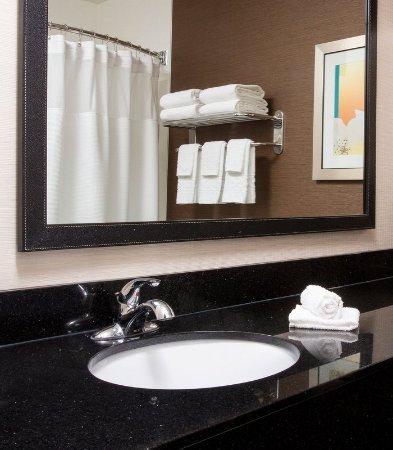 Mishawaka, IN: Guest Bathroom Vanity