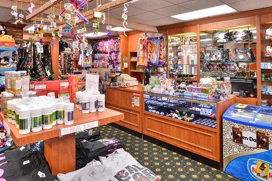 La Mirada, CA: Gift Shop