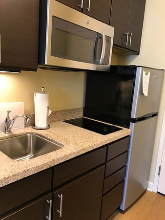 Ridgeland, MS: kitchen (large microwave)