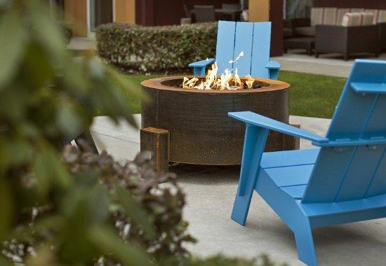 ลินน์วูด, วอชิงตัน: Outdoor Firepit