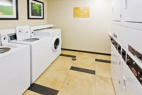 Medford, Oregón: Laundry Facility