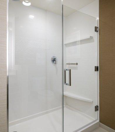 ซานมาร์คอส, แคลิฟอร์เนีย: Guest Bathroom - Shower