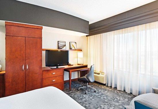 Alcoa, TN: Guest Room - Work Area