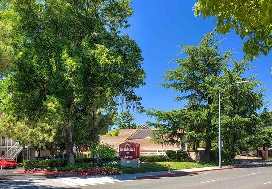 Campbell, CA: Exterior