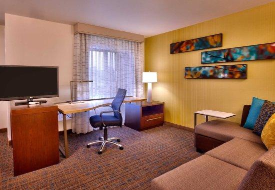 Murray, UT: Studio Suite – Living Area