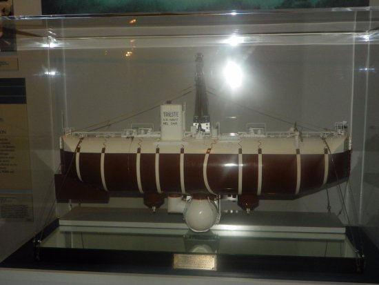 The Mariners' Museum & Park: Model of the Trestie