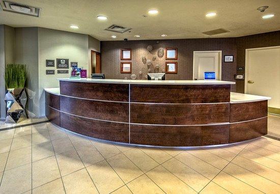 Southaven, MS: Front Desk