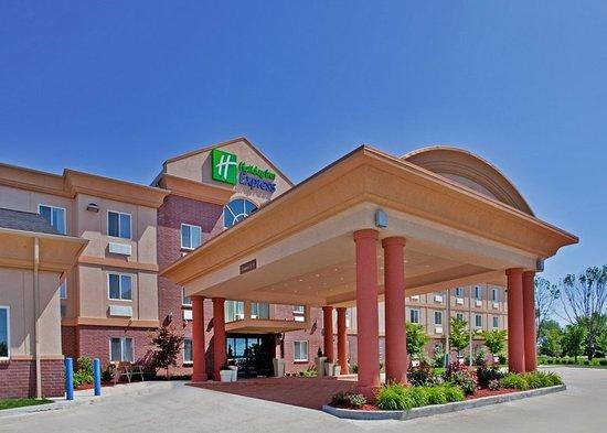 Warrenton, MO: Hotel Exterior