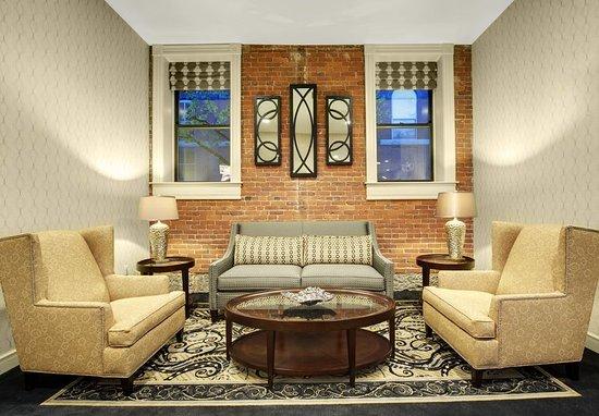 Keene, Nueva Hampshire: Hotel Lobby Seating Area