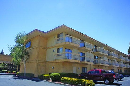 Hayward, CA: ExteriorView