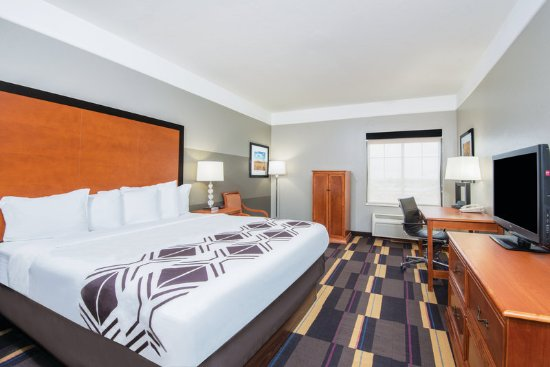 Moore, OK: Guest Room