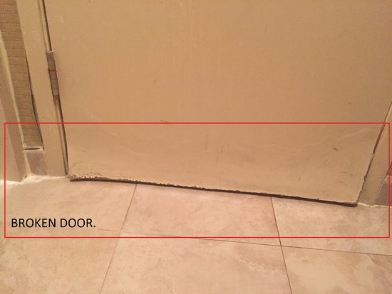 Baymont Inn & Suites By Wyndham: This entire door was in really bad shape.