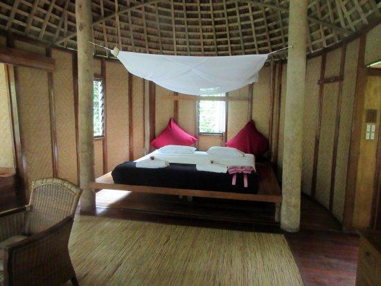 Fafa Island, Tonga : Deluxe Fale