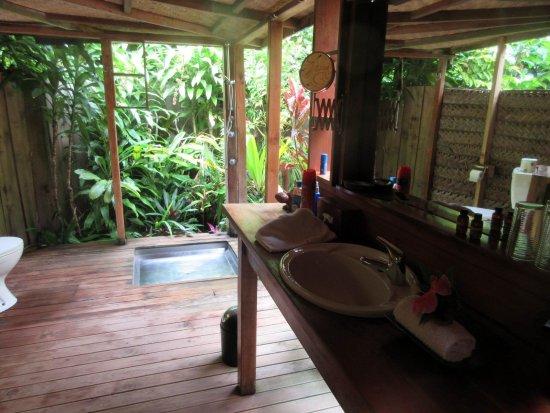 Fafa Island, Tonga : Open bathroom