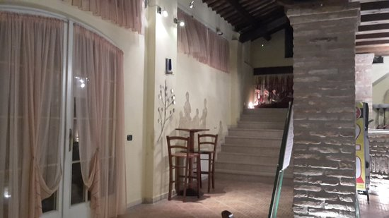 Polesella, Italie : 20170819_215929_large.jpg