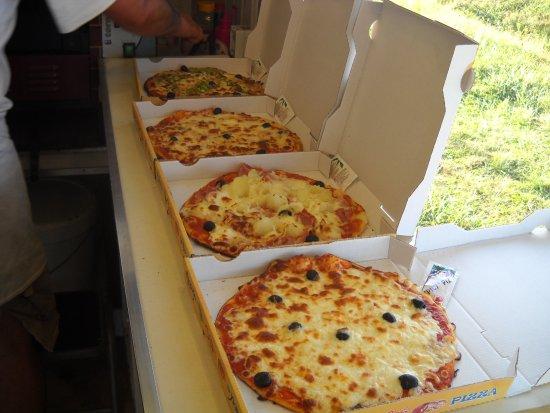 Le Chateau d'Oleron, Francja: PIZZA A EMPORTER