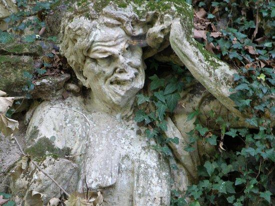 Stra, Italia: SCULTURA FUORI DAI PERCORSI CANONICI