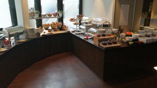 Hotel Cristal : Das Frühstücksbüffet ist reichhaltig ausgestattet