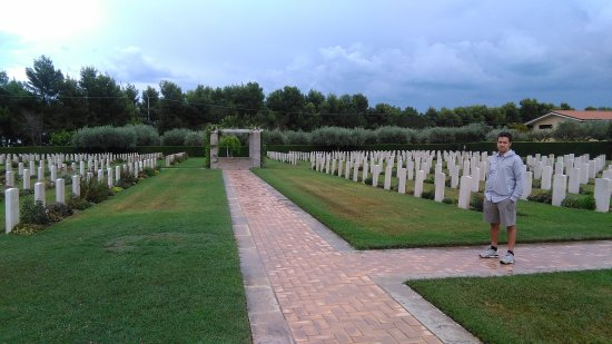 Moro River Canadian War Cemetery
