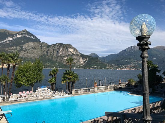 Grand Hotel Villa Serbelloni : Pool overlooking Lake Como