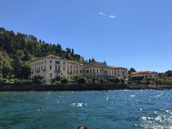 Grand Hotel Villa Serbelloni : View of hotel from Lake Como