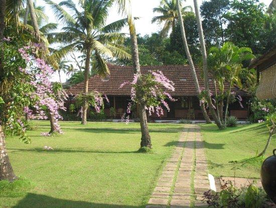 Kayaloram Heritage Lake Resort : Resort