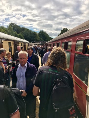 Ecclesbourne Valley Railway: A busy Wirksworth station platform