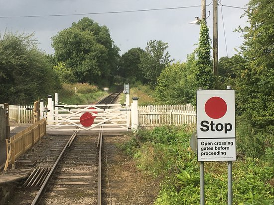Ecclesbourne Valley Railway: Idridgehay level crossing