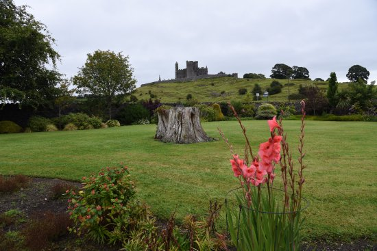 O'Briens Cashel Lodge: La vista dal giardino
