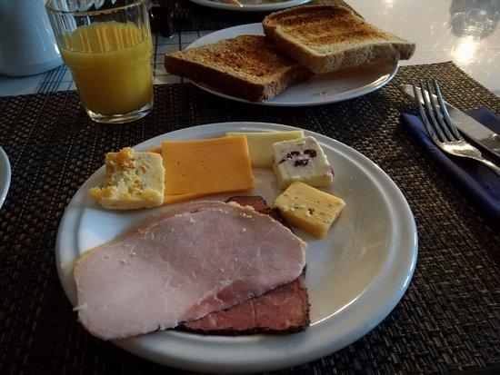 O'Briens Cashel Lodge: Una piccola parte della colazione