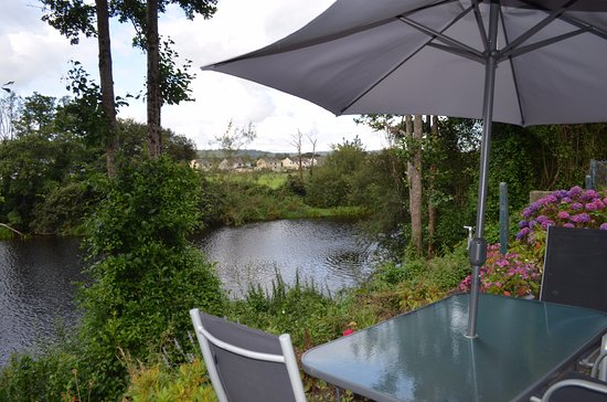 Killarney View House : Our private patio on the river