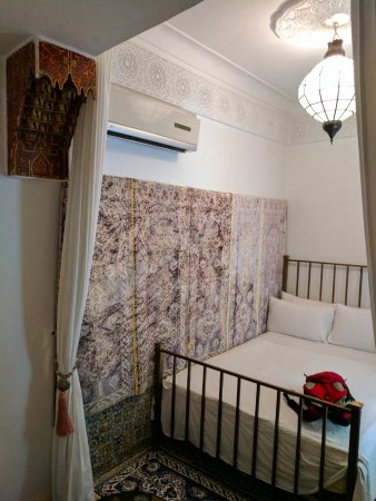 Hotel du Tresor: Simple stylish and comfortable