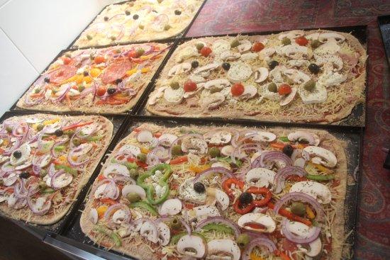 Herm, Γαλλία: Préparation d'un buffet apéritif...