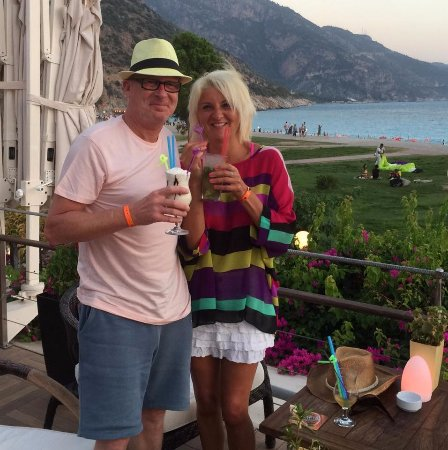 Club Belcekiz Beach Hotel: The Hang Out sunset cocktails