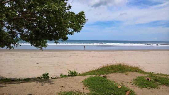 Tola, Nicaragua: Views from the bar at Waikiki