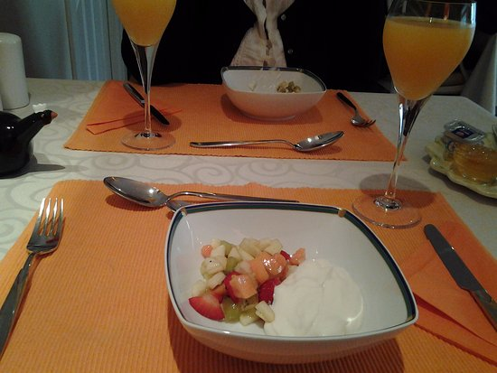 Riebeek-West, South Africa: ....3 course breakfast 1st course