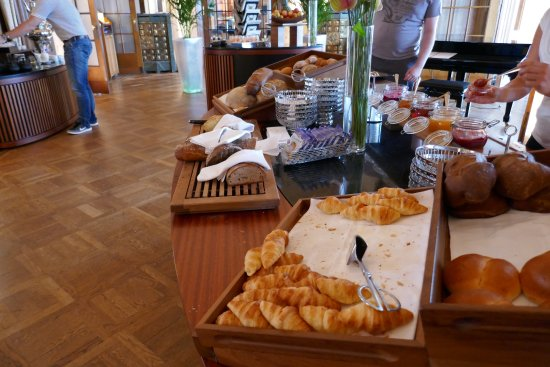 breakfast buffet - Bild von SCALA RESTAURANT - Art Deco Hotel ...