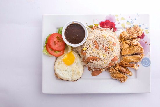 Teluk Intan, Malaysia: Special Fried Rice with deep fried pork chops and black pepper sauce