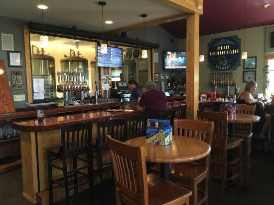 Afton, VA: indoor bar