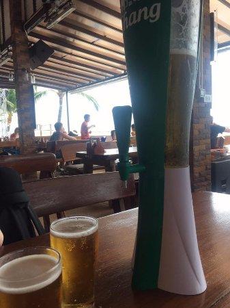 Ark Bar Beach Club: ark bar throughout the day