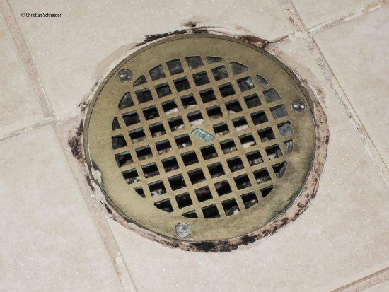 Melville, État de New York : Muita sujeira no banheiro